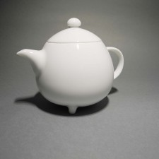 Porcelain Teapot with 3 feet